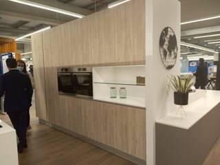 New Showroom Movimar partner in Viseu / Inauguração de nova loja parceiro Movimar em Viseu Cozinhas modernas por Movimar Moderno