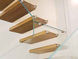 Scale con vetro Soggiorno moderno di Novalinea Arredo Moderno