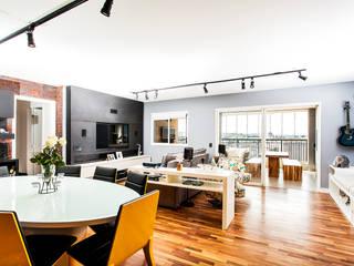 Raphael Civille Arquitetura Salas de jantar modernas