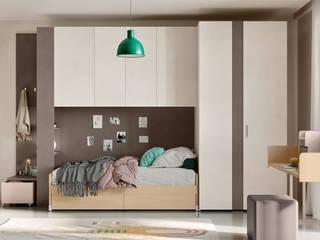 Spazio per i bambini. L&M design di Marelli Cinzia Camera da letto moderna Legno composito Marrone