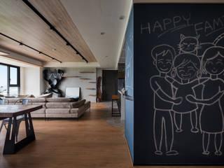 與自然共舞 健身休閒的工業風住宅 昱承室內裝修設計 工業風的玄關、走廊與階梯