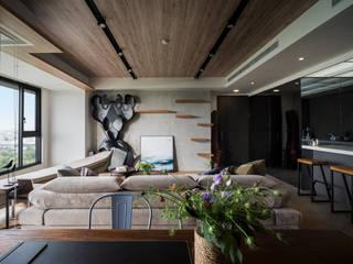 與自然共舞 健身休閒的工業風住宅 昱承室內裝修設計 客廳