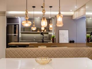 Larissa Minatti Interiores Ruang Makan Modern Grey