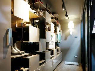 Yuthlert Modernize Design + Turnkey ห้องแต่งตัว Grey
