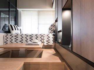 Skyline.TP 北歐制作室內設計 書房/辦公室 塑木複合材料 Black