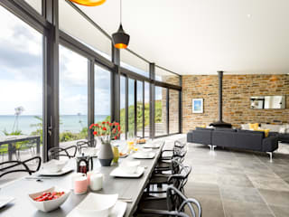 Seaside BeachfrontLiving and Dining Room Arco2 Architecture Ltd Modern dining room