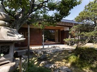 荒井好一郎建築設計室 Casas de estilo ecléctico