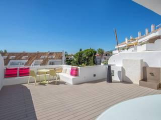 AFD ESTUDIO DE ARQUITECTO Modern balcony, veranda & terrace