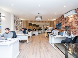 High Street Office de The Market Design & Build