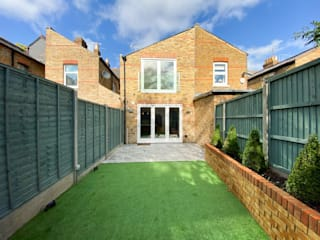 New Build Queens Road, Windsor by The Market Design & Build 클래식