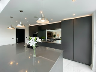 Pinner Loft Conversion & Full House Refurb The Market Design & Build مطبخألواح المطبخ