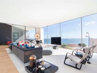 Duplex | Castelo| Portugal Atelier Renata Santos Machado Salas de estar modernas