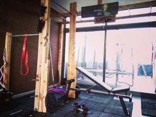 Home 'N Joy Remodelações Ruang Olahraga Gaya Rustic Kayu Wood effect
