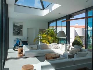 Exteriores | Paço D'Arcos | Portugal Atelier Renata Santos Machado Salas de estar modernas