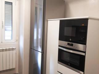 Reforma de Vivienda en Burgos Cimbra47 Cocinas de estilo moderno