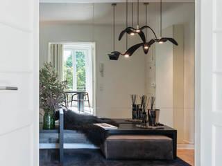 Apartamento | Avenidas Novas | Portugal Atelier Renata Santos Machado Corredores, halls e escadas modernos Cinzento