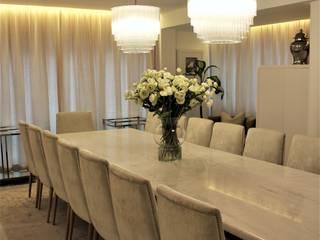 Moradia | Miramar | Angola Atelier Renata Santos Machado Salas de jantar clássicas
