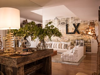 Apartamento | Chiado | Portugal Atelier Renata Santos Machado Corredores, halls e escadas industriais