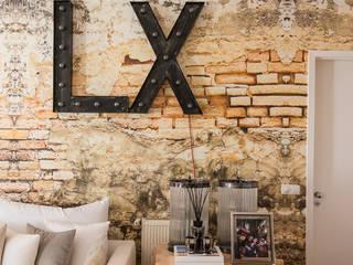 Apartamento | Chiado | Portugal Atelier Renata Santos Machado Salas de estar industriais