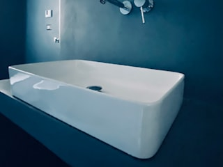 Eclectic style bathrooms by Architetto Luigi Pizzuti Eclectic