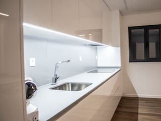 Plan-C Technologies Lda Modern kitchen
