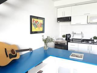 Modulor Mobiliario y Arquitectura Dapur built in Multicolored