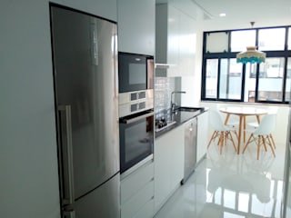 Obr&Lar - Remodelação de Interiores Small kitchens MDF White