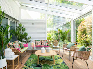 Sube Susaeta Interiorismo Tropical style balcony, veranda & terrace Green