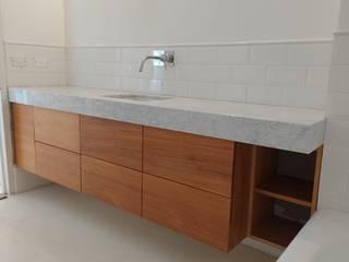 Modulor Mobiliario y Arquitectura 浴室 實木 White