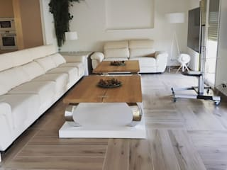 Hemme & Cortell Construcciones S.L. Living room Tiles Wood effect