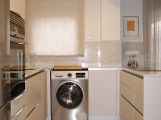 INTERIORISMO: Reforma completa de un apartamento en Benicasim Sara Hueso Fibla Cocinas pequeñas Contrachapado Gris