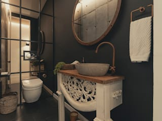 Adrede Diseño Banheiros clássicos Concreto Preto