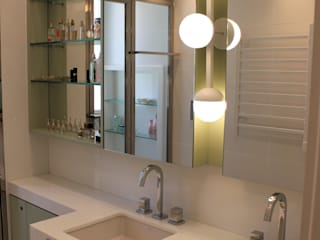 Geraldo Brognoli Ludwich Arquitetura Modern Bathroom Quartz White