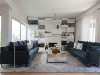 Moradia| Parede | Portugal Atelier Renata Santos Machado Salas de estar modernas