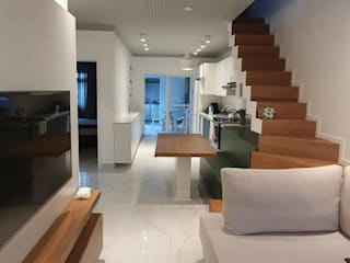 Better Home Modern corridor, hallway & stairs Bricks White
