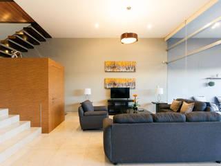 SANTIAGO PARDO ARQUITECTO Modern living room