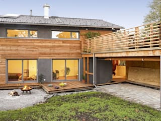 Vitalhaus Waakirchen Regnauer Hausbau Holzhaus Holz Braun