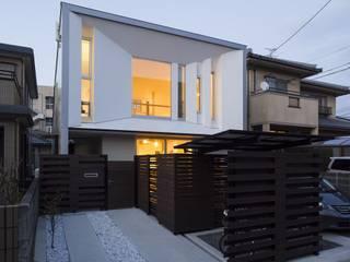 岩瀬隆広建築設計 Casas pequeñas Blanco