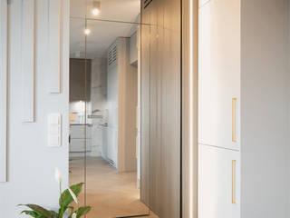 KODO projekty i realizacje wnętrz Couloir, entrée, escaliers modernes