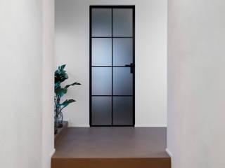 LAYER Flussocreativo Design Studio Ingresso, Corridoio & Scale in stile moderno