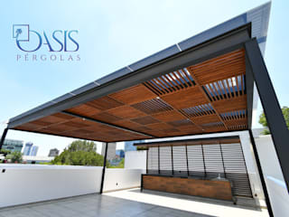 Oasis Pérgolas Modern style balcony, porch & terrace