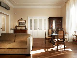 Atmosfere - Progettazione e ristrutturazione appartamento Roma zona Prati - 190 mq Soggiorno classico di Gruppo Castaldi | Roma Classico