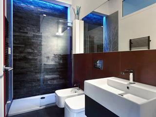 Colors in love - Progettazione e ristrutturazione appartamento 100 mq - Roma Prati Bagno moderno di Gruppo Castaldi | Roma Moderno