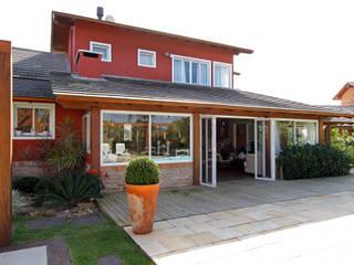 Graça Brenner Arquitetura e Interiores Country house لکڑی Wood effect