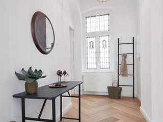 Ulla Schmitt Fotografie Pasillos, vestíbulos y escaleras de estilo moderno