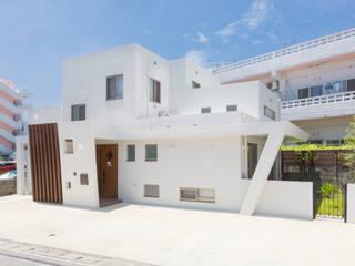 光をつなぐ家 久友設計株式会社 一戸建て住宅 コンクリート 白色