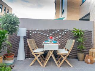 The Open House Mediterranean style balcony, veranda & terrace