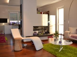 Splendida villa fuori Torino Silvia Camporeale Interior Designer Soggiorno moderno Legno Bianco