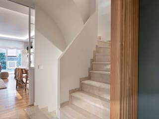 Egue y Seta Коридор, прихожая и лестница в средиземноморском стиле