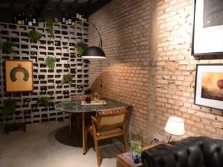 DCC by Next arquitetura Comedores de estilo industrial Ladrillos Beige